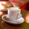 Kávovar v cukrárně: lahodné espresso a italské Tiramisu